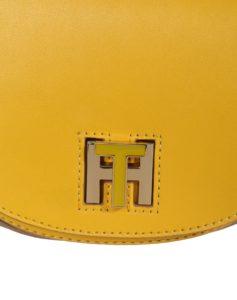 Die TH Twist Umhängetasche von Tommy Hilfiger in Gelb